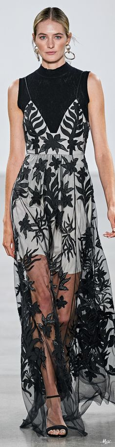 Fashion Week, Fashion Models, Fashion Show, Womens Fashion, Elie Tahari, Facon, White Fashion, Evening Gowns, Beautiful Dresses