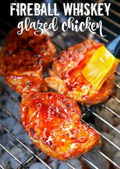 Fireball Whiskey Recipes - Fireball Whiskey Glazed Chicken - Fire ball Whisky Recipe Ideas - Pie, Desserts, Drinks, Homemade Food and Cocktails - Easy Treats and Christmas Dishes Fireball Recipes, Whiskey Recipes, Whiskey Chicken, Grilling Recipes, Cooking Recipes, Red Pepper Jelly, Fireball Whiskey, Fireball Fudge, Sauce Barbecue