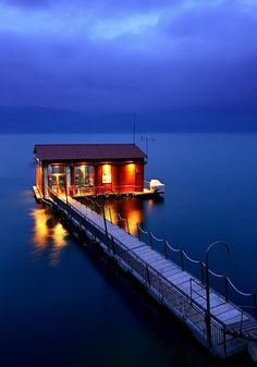 Lake house in Greece-this is where I want to move.the ultimate lake house :) Magic Places, Haus Am See, Floating House, House Landscape, Lake Life, Little Houses, Belle Photo, Dream Vacations, Vacation Travel