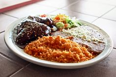 Imagen de http://intelligenttravel.nationalgeographic.com/files/2013/05/mole-plate-mexico-2.jpg.