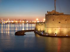 Taranto-contrasti