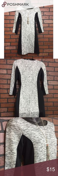 Marbeled 3/4 sleeve Bodycon Dress Old Navy size XS. Like new condition. Black/grey/white. Sides are spandex material Old Navy Dresses Midi