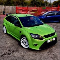 Ford Focus RS Ultimate Green Frozen White Wheels