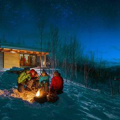 L'hiver au Québec, les activités de plein air, c'est chez nous. Sentiers de ski de fond et de raquette, location de chalets, randonnée, pêche sur glace, sortez jouer! Montreal Quebec, Quebec City, Canada, Shooting Photo, Vestibule, Ottawa, Belle Photo, Skiing, Toronto