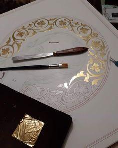 Byzantine Icons, Byzantine Art, Old Letters, Aur, Art Icon, Orthodox Icons, Writing Instruments, Religious Art, Gold Leaf