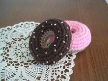 【無料編み図】編みぐるみ編み図 まとめ 〔スイーツ編〕 - NAVER まとめ Crochet Cake, Crochet Necklace, Sweets, Knitting, Play Food, Diy, Foods, Amigurumi, Food Food