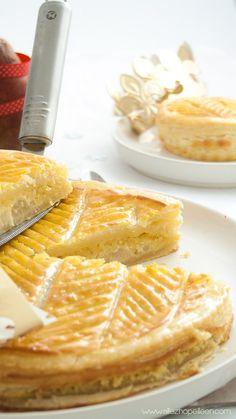 Recette galette des rois frangipane poires Cake Cookies, Waffles, Meals, Breakfast, Sweet, Allez Hop, Food, Delicious Recipes, Recipes
