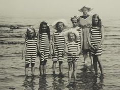 Black and White Vintage Photography: Take Photos Like A Pro With These Easy Tips – Black and White Photography Antique Photos, Vintage Pictures, Vintage Photographs, Old Pictures, Vintage Images, Old Photos, Vintage Bathing Suits, Photo Vintage, Bathing Beauties