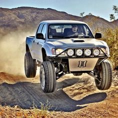 ICON vehicle dynamics long travel Toyota Tacoma......I want this to drive to and from work every day!! Imagine the fun