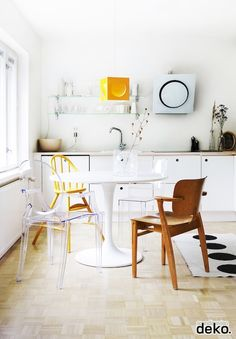 Dining Room | Scandinavian Deko with a mismatch of gorgeous chairs.