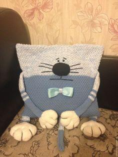 Купить Котоподушка - голубой, котоподушка, подушка, подушка декоративная, кот, вязаный, подушка-игрушка