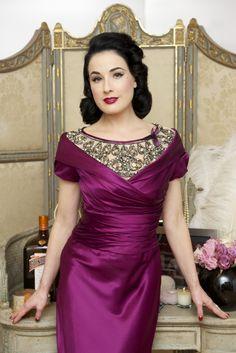 Dita Von Teese bringing back the 1950s retro look