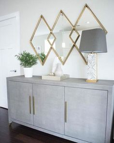 34 Popular Mirror Wall Decor Ideas Best For Living Room - When decorating a room within the home, people tend to think about curtains and the furniture within the room. The one important item they forget abou. Dining Room Wall Decor, Entryway Decor, Bedroom Decor, Mirrors In Dining Room, Dining Rooms, Kitchen Dining, Living Room Sideboard Ideas, Foyer, Hallway Sideboard