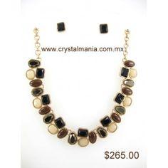 Set de collar y aretes en base dorada con detalles en diferentes tonos estilo 30246