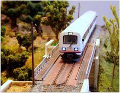 Módulo puente metálico. Escala H0. Normativa AMFT.  Tren Regional diesel 594 RENFE. Escala H0.