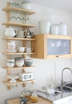 3 tricks for more space: So awesome you can set up a small kitchen - Regale / Shelves - Home Sweet Home Open Kitchen, Kitchen Dining, Kitchen Decor, Kitchen Ideas, Kitchen Small, Small Kitchens, Design Kitchen, Diy Kitchen, Modern Kitchens