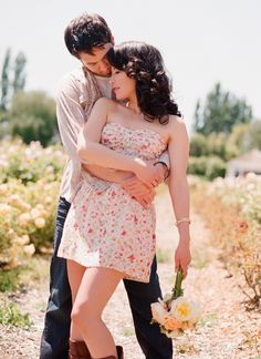 engagement photo, love the pose, vintage. Would work beautifully as a wedding pose.
