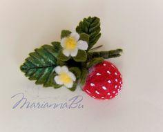 "Felt brooch ""Strawberry"" small needle felt  - pinned by pin4etsy.com"