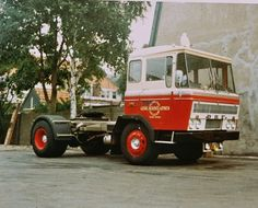 Berbee - Nostalgische Transportfoto's uit Zuid-Holland | ZWN Transport Classic Trucks, Semi Trucks, Cars And Motorcycles, Holland, Vehicles, Commercial Vehicle, Classic Pickup Trucks, The Nederlands, Rolling Stock
