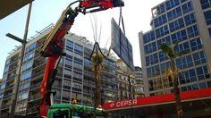 Grupo IPROM, manipulación en #Barcelona de sobre de marmól de 350 kilogramos, con #elevador en un octavo piso. #mudanzas y #guardamuebles IPROM http://www.plataformaselevadorasiprom.com/