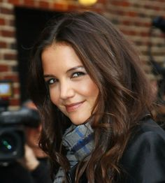 """Katie Holmes is typed as """"velvety"""" Soft Summer Deep Summer Skin, Soft Summer, Hazel Green Eyes, Seasonal Color Analysis, Famous Stars, Katie Holmes, Timeless Beauty, Summer Hairstyles, Natural Hair Styles"""
