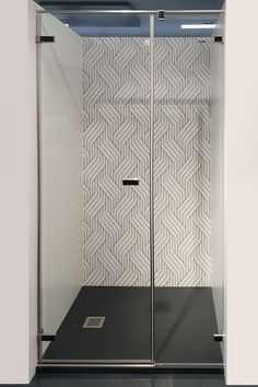 ...mit PanElle Graphics im Design Lines. Bad, Graphics, Design, Wall Panelling, Luxury, Interior Designing, Products, Patterns, Colors