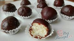 Christmas Sweets, Christmas Baking, Donut Recipes, Cooking Recipes, Chocolate Balls Recipe, Bounty Chocolate, A Food, Food And Drink, Best Cake Ever