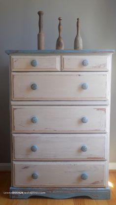 Awesome! Just the inspiration I was looking for to redo an old dresser!