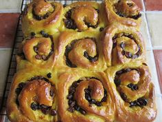 Recipes from a Cornish Kitchen:  SAFFRON CHELSEA BUNS Well! I was walking through ...