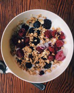 Berries bowl