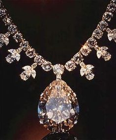 Victoria Transvaal diamond necklace 67.89 carats champagne colored pear.jpg