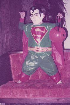 Superman - This little dude rocks! Vintage Halloween Photos, Retro Halloween, Halloween Make, Boxing Halloween Costume, Retro Robot, Masked Man, Hallows Eve, Vintage Costumes, Trick Or Treat