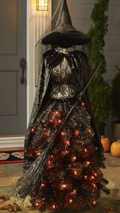 I found a prop sold by sams in either 2017 or I've never seen it before. But when I did a search up popped all the christmas ones. Diy Halloween Tree, Halloween Bride, Halloween Witch Decorations, Halloween Forum, Nightmare Before Christmas Halloween, Theme Halloween, Outdoor Halloween, Halloween Projects, Holidays Halloween