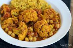Curry z cieciorką i kalafiorem My Recipes, Gluten Free Recipes, Tasty Dishes, Food Photo, Cauliflower, Curry, Food And Drink, Vegan, Vegetables