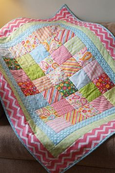 Patchwork - Quilt Chevron Baby Quilts, Quilted Baby Blanket, Quilt Baby, Patchwork Blanket, Patchwork Baby, Baby Quilt Patterns, Mini Quilts, Cute Quilts, Easy Quilts