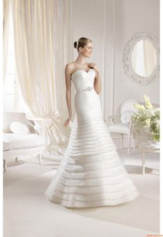 Wedding dress shop in Dubai & Lebanon for bridal gowns & evening dresses. Collections from the top wedding dress designers & bridal couture. La Sposa Wedding Dresses, Buy Wedding Dress, Wedding Dress Shopping, Long Bridesmaid Dresses, Bridal Dresses, One Shoulder Wedding Dress, Girls Dresses, Lace Wedding, Formal Dresses