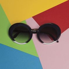 Designed for Spring/Summer 2018 collection, the Valery is a distinctly feminine shape characterized by large oval lenses, metallic joints on the bridge and a carefully moulded nose-bridge. Sun With Sunglasses, Circle Sunglasses, Round Frame Sunglasses, Sunnies, Lenses, Bridge, Metallic, Feminine, Spring Summer