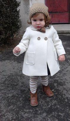 16 Sartorially Sophisticated Children - Hipster in der Ausbildung. Little Girl Fashion, Toddler Fashion, Kids Fashion, Style Fashion, Fashion Trends, Baby Kind, My Baby Girl, Baby Girl Coat, Cute Kids