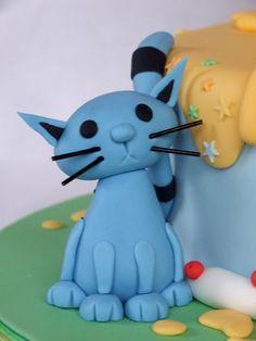 Inspired by Cake: Xavier's Bob the Builder! Leo Birthday, 4th Birthday Cakes, Cupcakes, Cupcake Cakes, Bob The Builder Cake, Fondant Cat, Deco Cupcake, Jake Cake, Fondant Figures