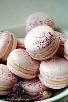 Rose Macarons.... I really love rose in recipes...