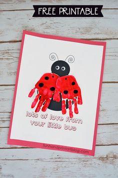 Ladybug Handprint Card Craft with Free Printable Template #kidscrafts #handprintholidays #funhandprintartblog #printablesforkids #kidmade #cardideas #mothersday #valentinesday #gradnparentsday #handprintart #craftsforkids #creativememories