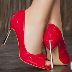 Classic heels red woman heels 11 cm size 38, on line shop Modatoi. buy shoes on website modatoi.co.uk.