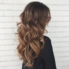"""Caramel Mocha ☕️ #hairpainting #balayage #pravanalightener #guytang #pravana…"