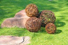Weidenkugel, Dekokugel aus geflochtenen Weidenruten Ø 25 bis 55 cm