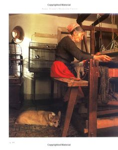 """Tasha Tudor at her loom. From the book """"Tasha Tudor's Heirloom Crafts"""" by Tovah Martin and Richard W. Richard Iii, War And Peace Characters, Art Original, Marjolein Bastin, Vermont, Pictures, Crafts, Painting, Life"""