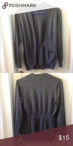 🌟must go!!🌟 Open front cardigan Gray open front cardigan in excellent condition Sweaters Cardigans