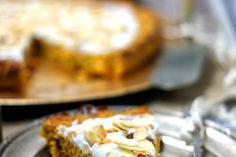 Aromatyczny pieczony boczek | Bernika - mój kulinarny pamiętnik Potato Hash Recipe, Potato Recipes, Pork Recipes, Chorizo Breakfast, Breakfast Hash, Kielbasa Sausage, Sauerkraut, Amazing Cakes, Stew