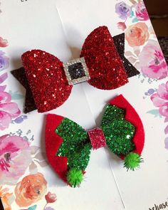 Santa and elf set Related posts: Christmas Hair Bow / Girls Santa Hair Bow / Glitter Hair Bow / Red Hair Bow / Santahair Bow … Making Hair Bows, Diy Hair Bows, Diy Bow, Handmade Hair Bows, Bow Making, Christmas Bows, Christmas Crafts, Christmas Decorations, Christmas Ornaments