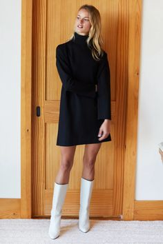 Turtle Neck Dress Outfit, Black Turtleneck Dress, Dress Black, White Pleated Skirt, Winter Dress Outfits, Spring Outfits, Trendy Outfits, Emerson Fry, Dresses