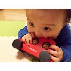 私が小さい頃に大好きだった木の車のおもちゃ今は息子がお気に入り♥️ #何でもカミカミ #おてんばか #naef #ネフ #木のおもちゃ #世代をこえて #受け継がれるもの #息子 #生後6ヶ月 #新米ママ #pepe_kai #カスタマイズエブリデイ #桃代党 #E朝